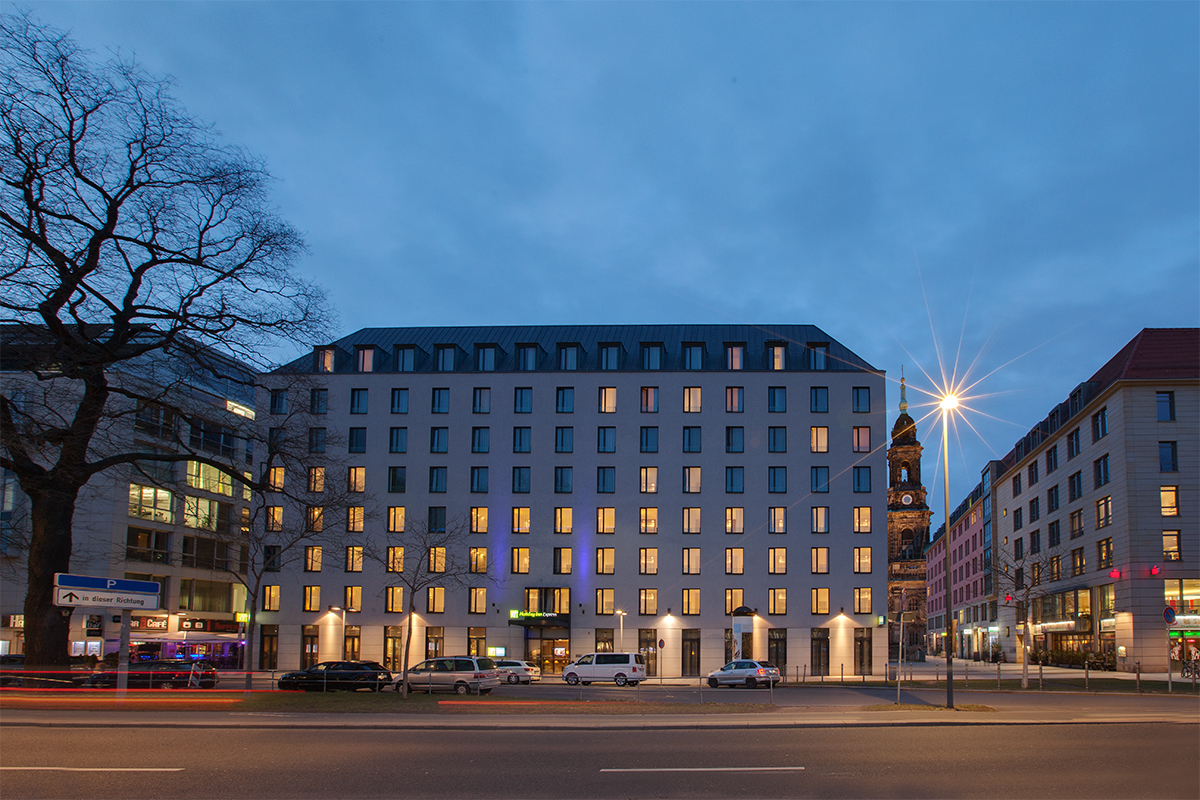 Elvira Azimova photographer interior Holiday Inn Express Dresden City Centre DRSCC