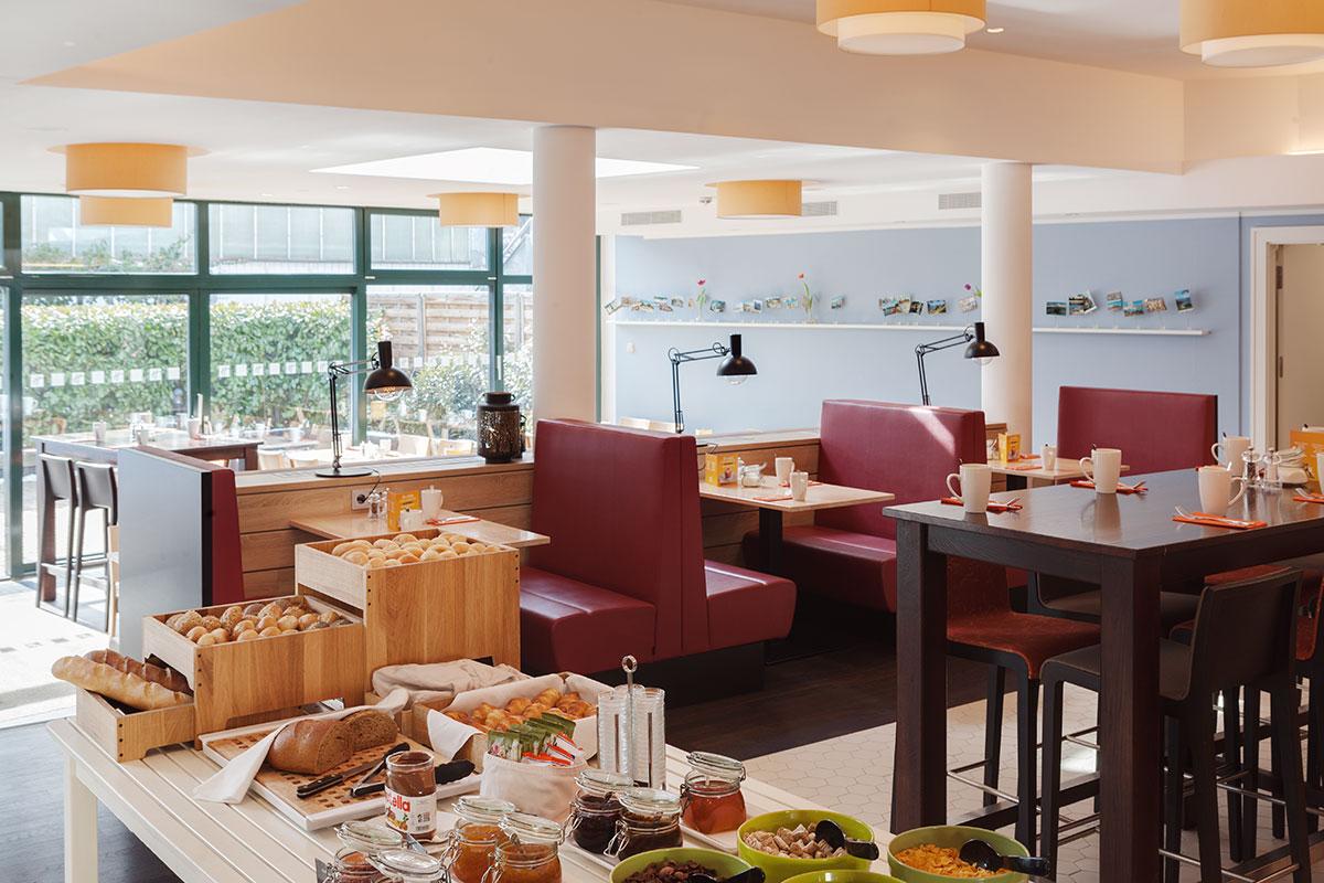 Elvira Azimova photographer interior Holiday Inn Dresden City South DRSCS