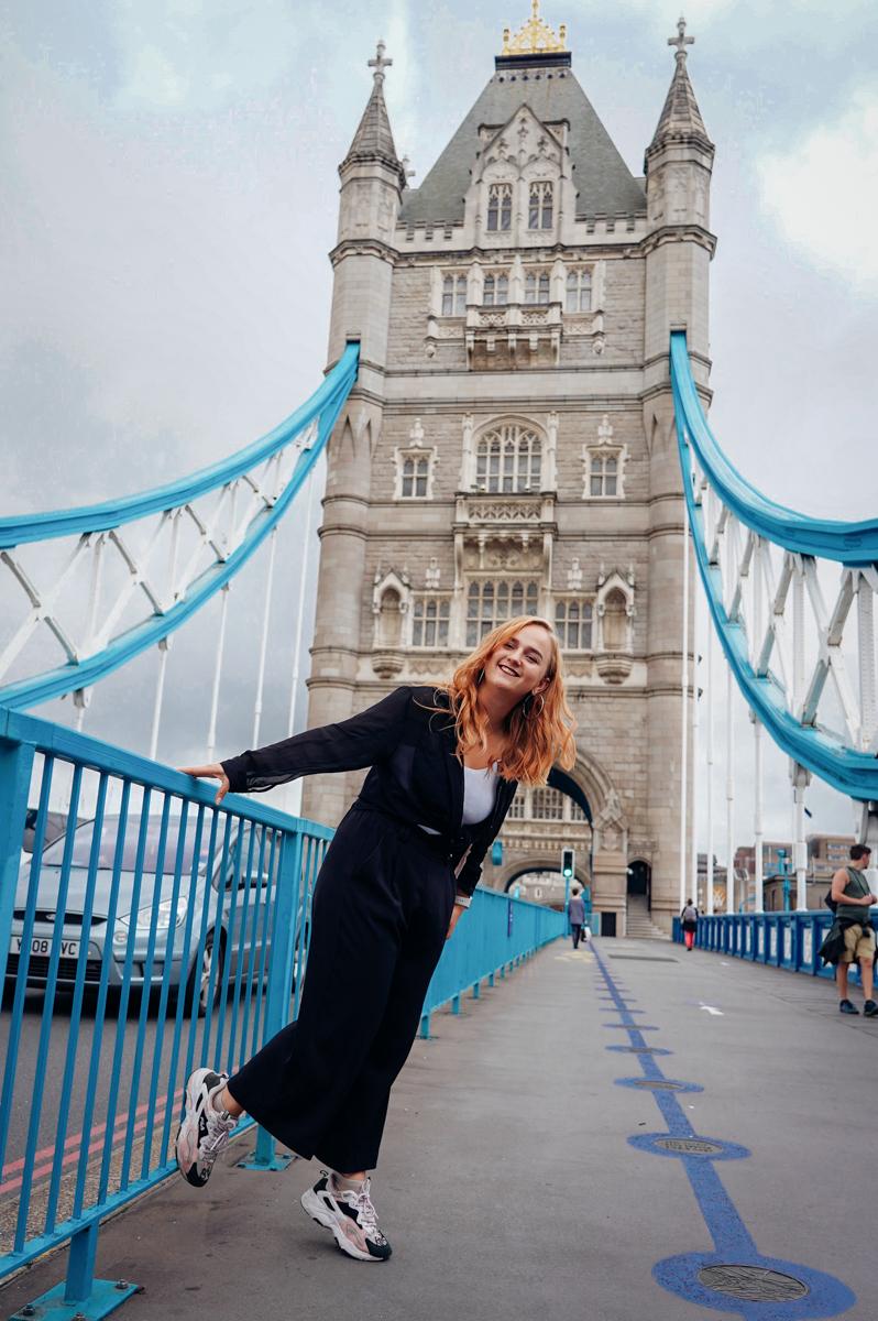 Portrait photoshoot at tower bridge in London